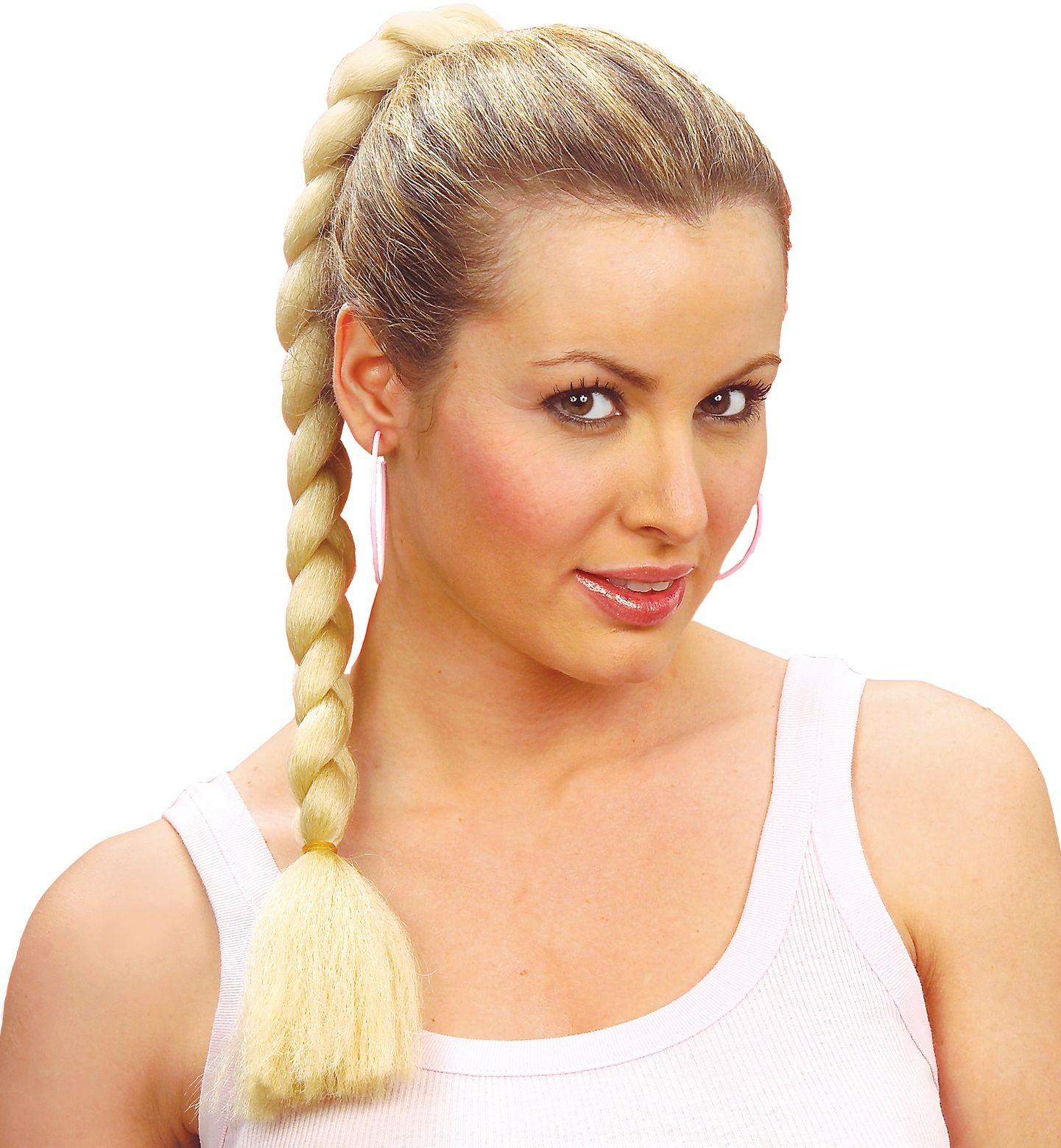 Blonde haarextensie met vlechten