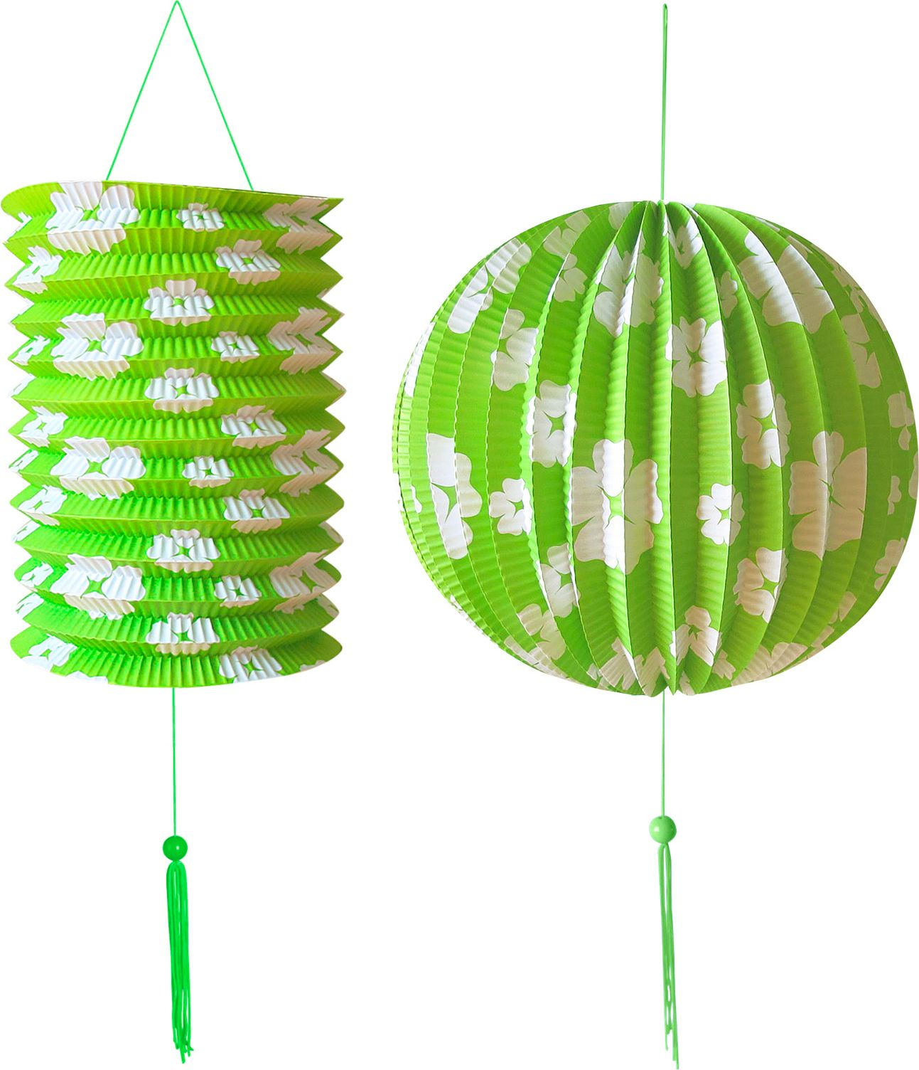 Groene papieren bal en lantaarn