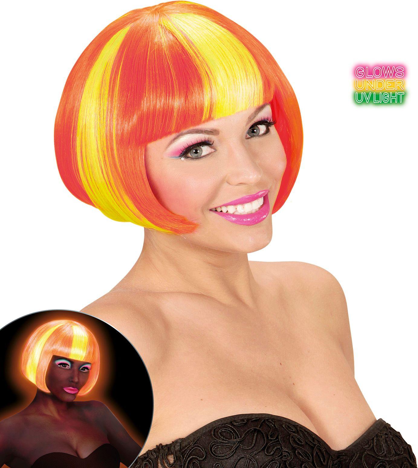 Neon gele-oranje gestreepte pruik