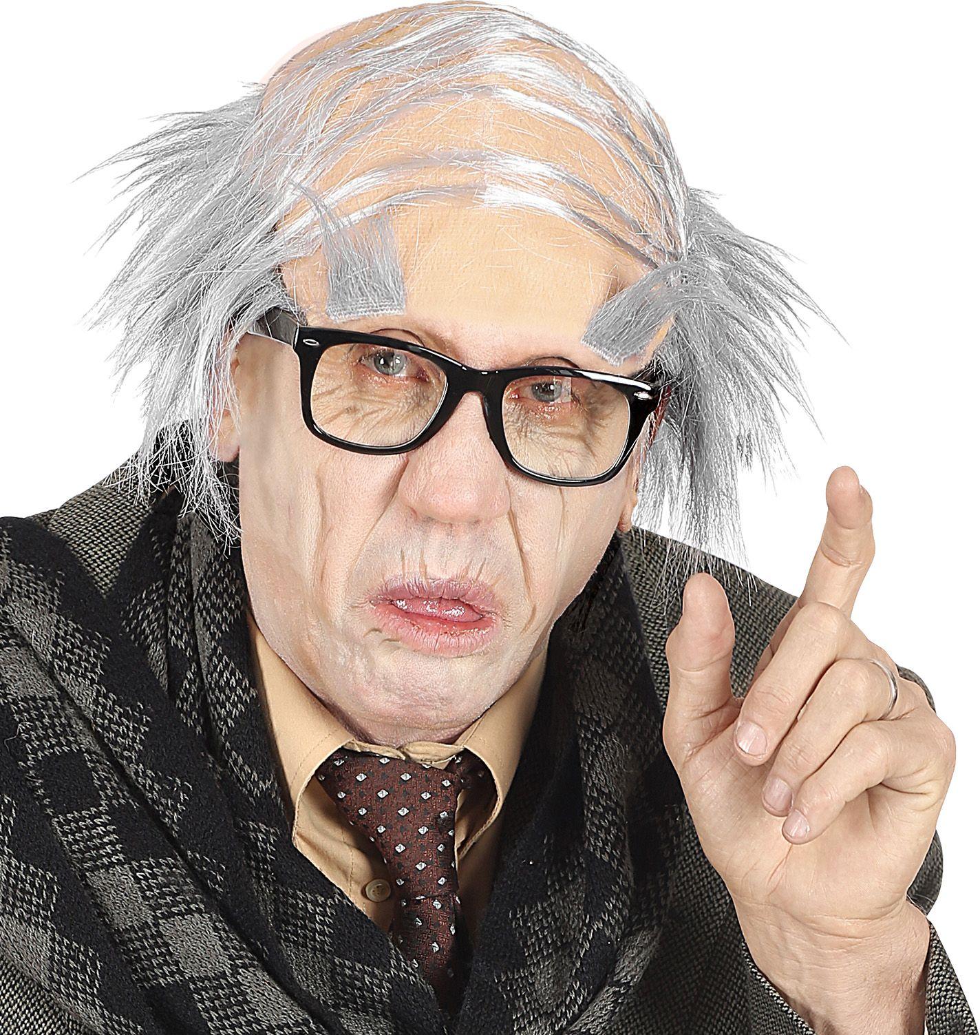 Oude man hoofddeksel met wenkbrauw