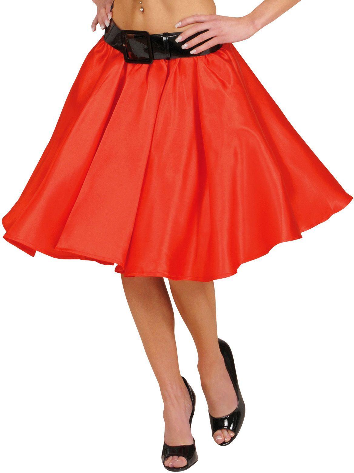 Rode satijnen rokje met petticoat