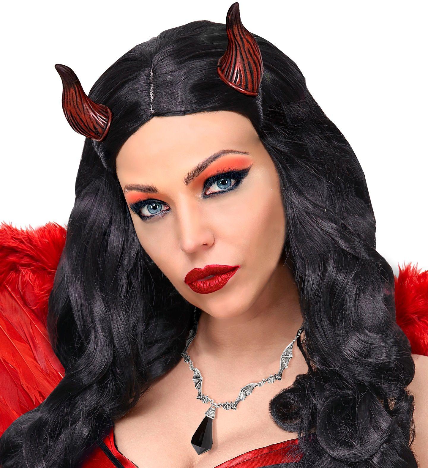 Vleermuis ketting met zwart juweel