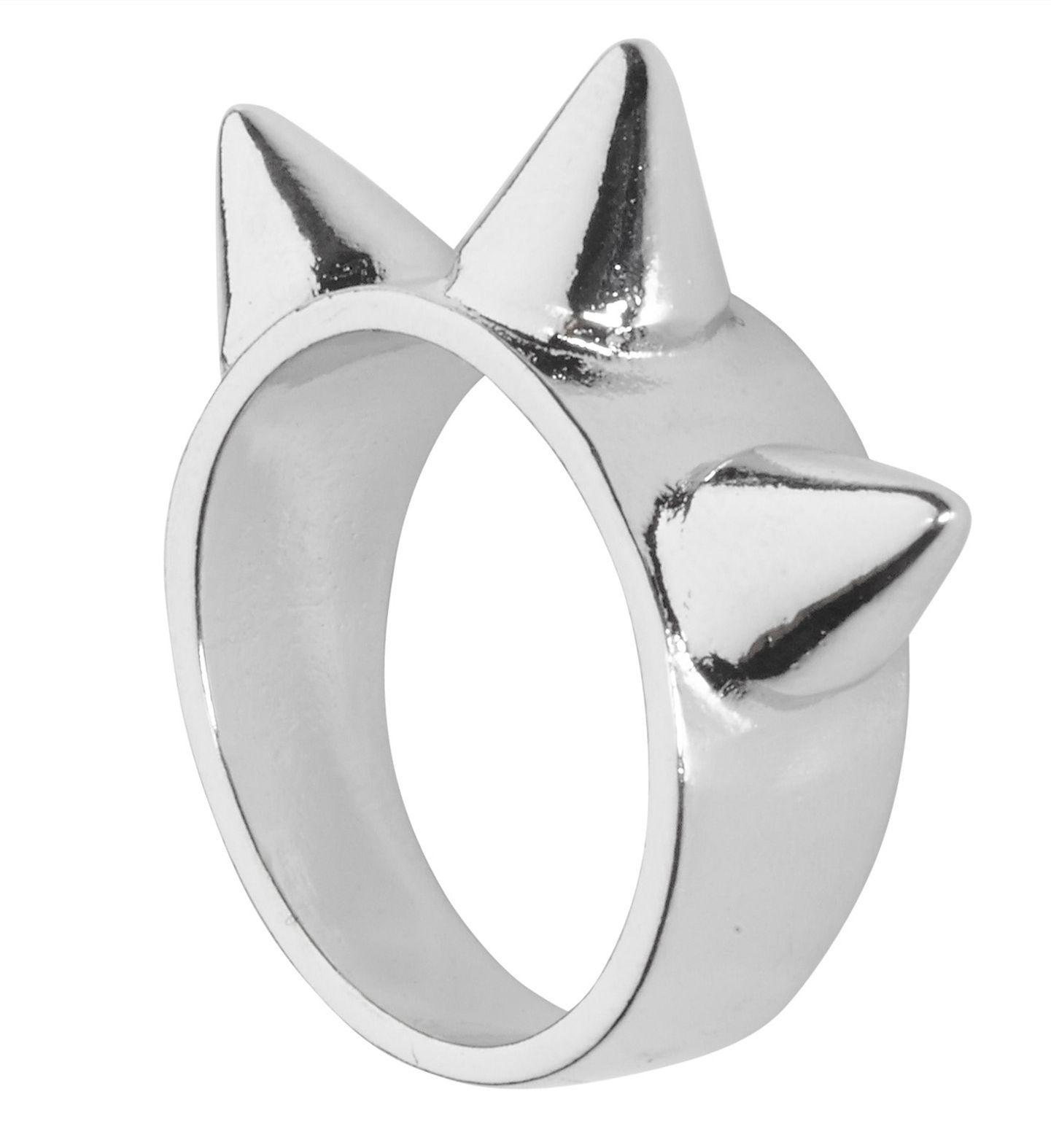 Zilveren ring met 3 spijkers